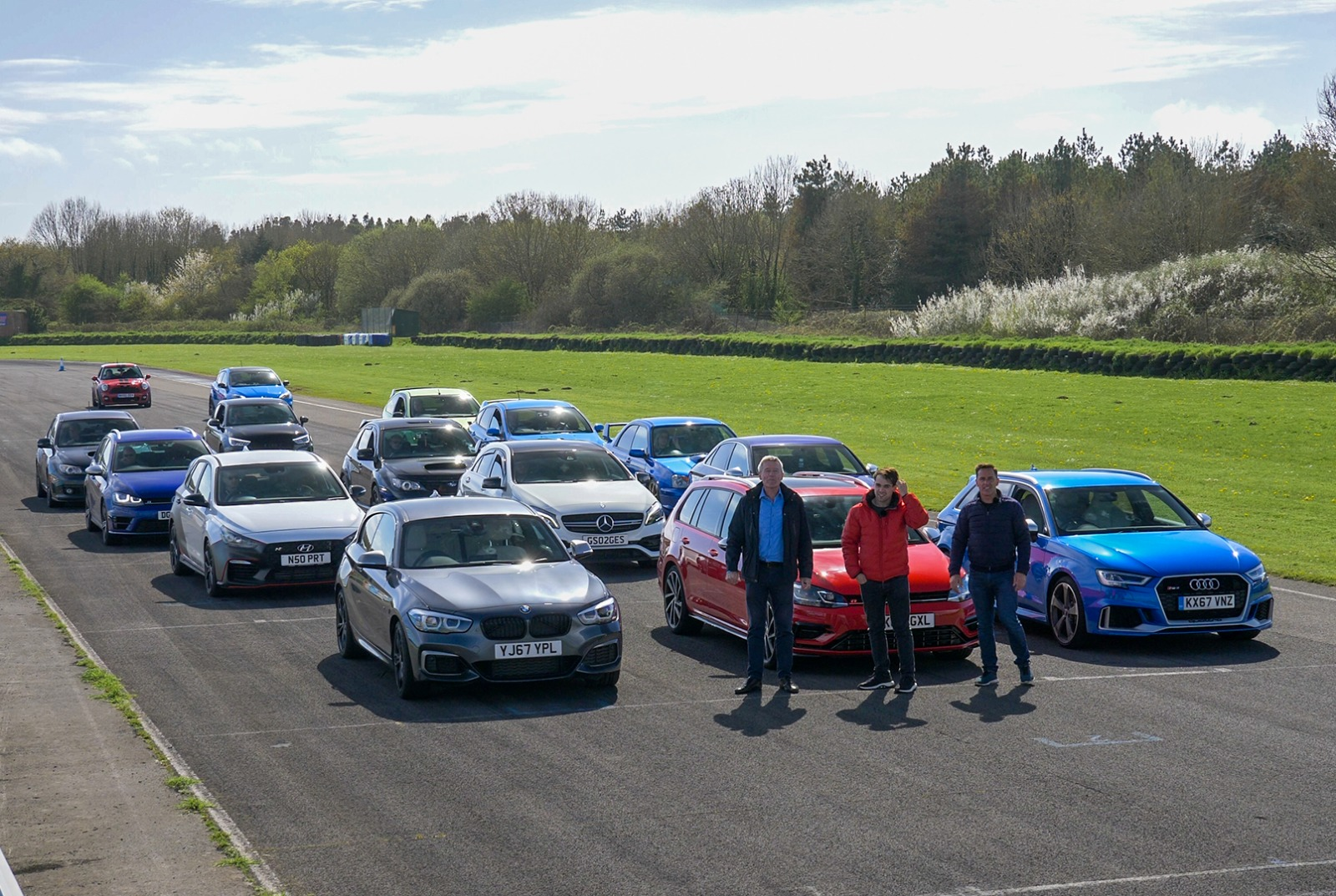 Hot Hatch Battle Part 3. The Drag Race!